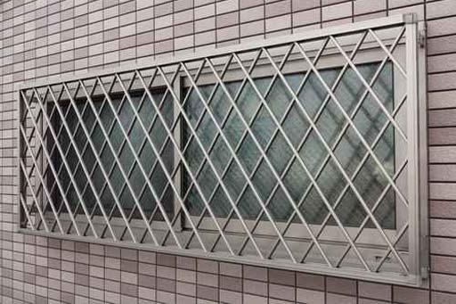 Resultado de imagem para serralherias Portões - Janelas - Portas - Grades.